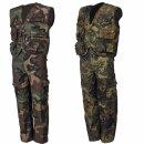 Kinder-Anzug, Weste  u. Hose mit abnehmbaren Beinen woodland oder flecktarn